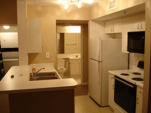 1 Bedroom For Rent in Royal Grand Condos $950.00
