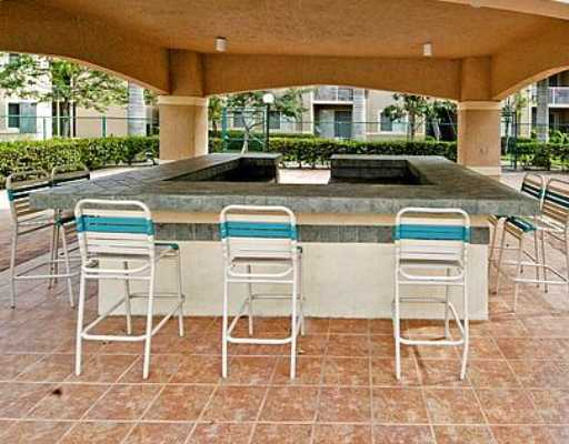 Short Sale Approved 3/2 in University Parc Residence near NSU