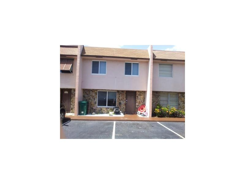 Just Listed 6626 SW 41st Davie FL 33314 – 2 Bedroom 1 Bathroom Townhome $134,900.00