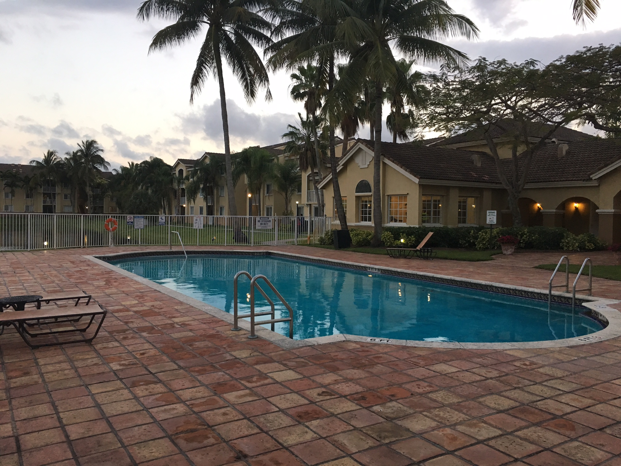 Under Contract – Royal Grand Condo – 2640 S University Dr #318 Davie Fl 33328