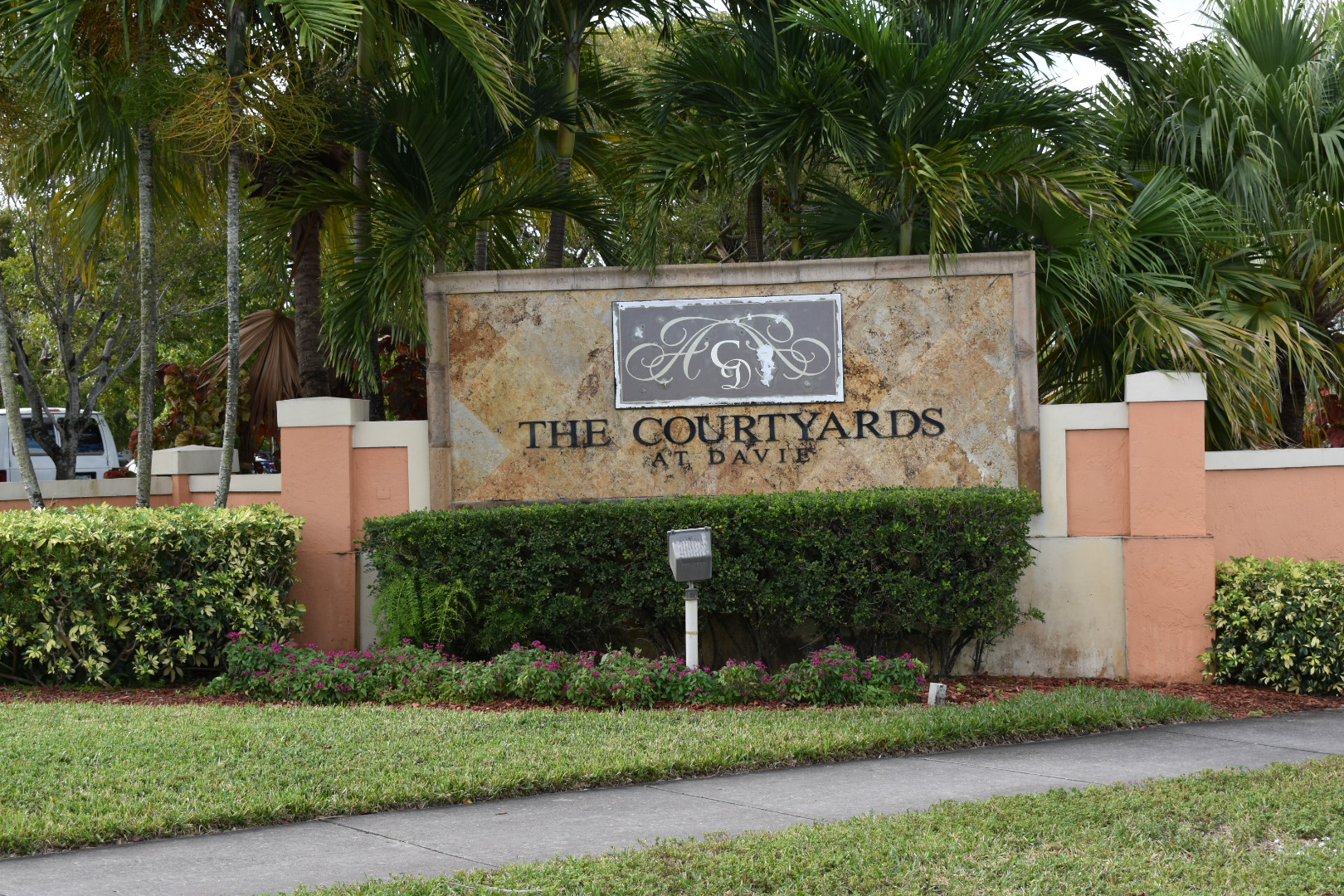 Buying or Selling In Courtyards at Davie Condos