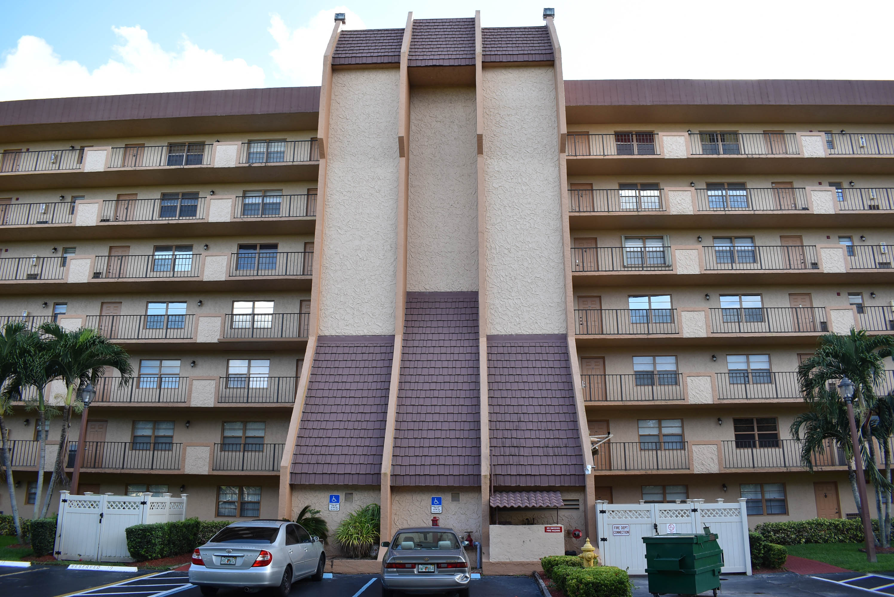 Just Sold In Rolling Hills Condominium 3001 W Rolling Hills Circle #505