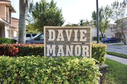 Davie Manor Townhomes Davie Fl 33314