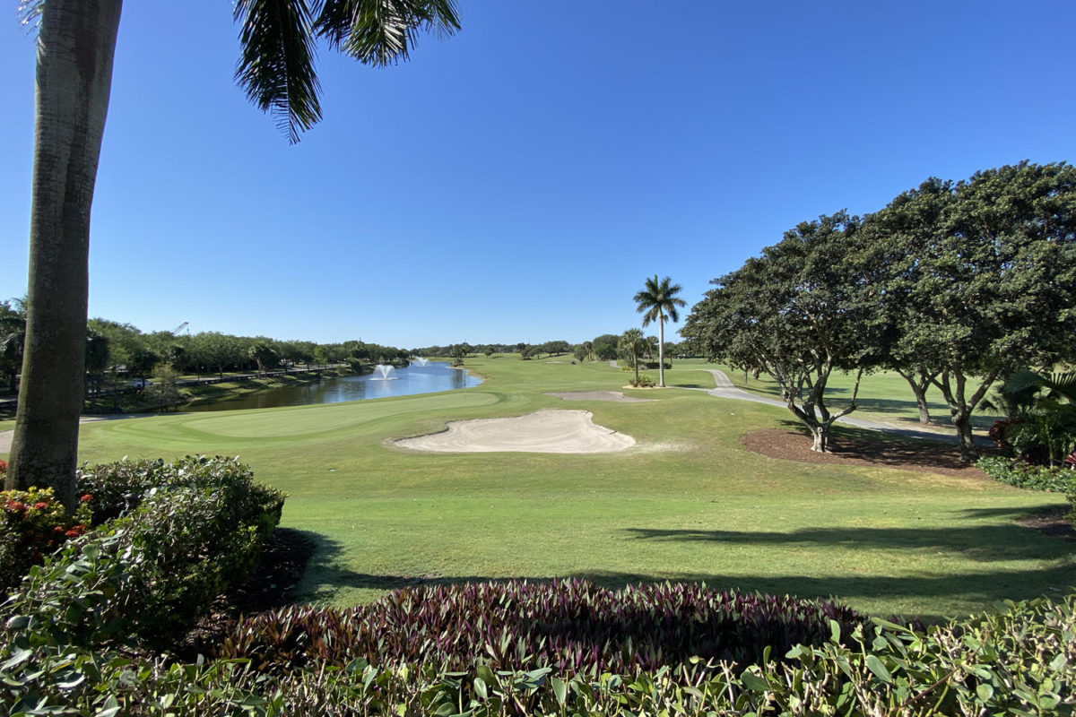 view of the 18th green at abacoa golf course in jupiter fl from clubhouse